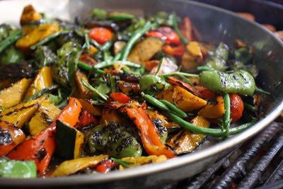 """nossa especialidades: """"Grigliata"""" de legumes na nossa grelha externa"""