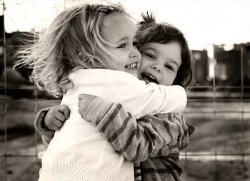 En todo tiempo ama el amigo,