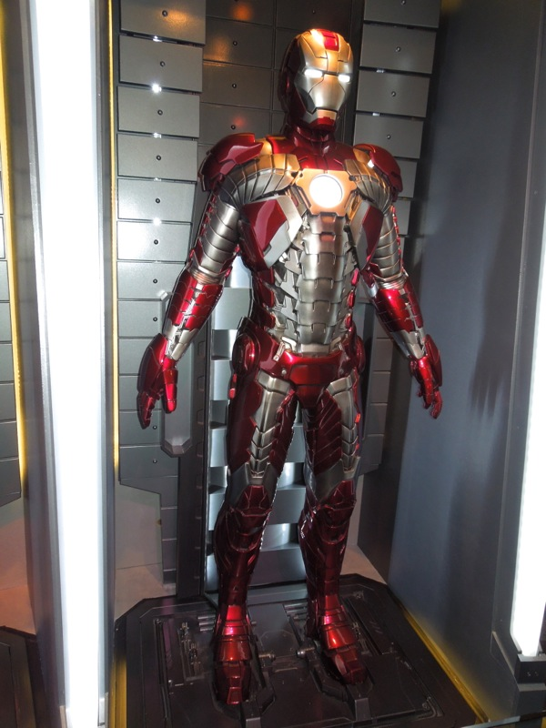 Iron Man Mark V briefcase armour