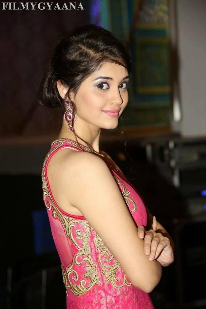 surabhi hot photos