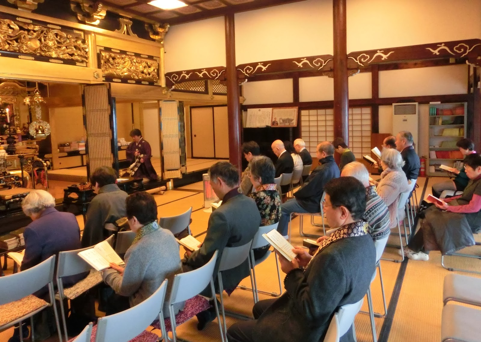 活動報告 活動報告: 26年1月 新年初参り法要 浄土寺の活動報告です   26年1月 新年初参