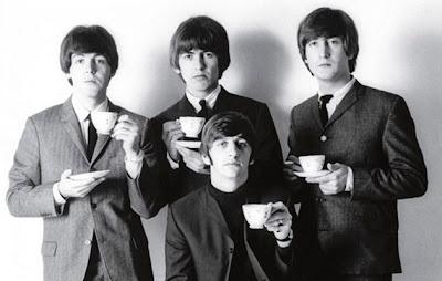 Dick Row dari Decca menolak demo The Beatles yang direkam tahun baru 1961 itu dan malah mengontrak The Tremeloes...