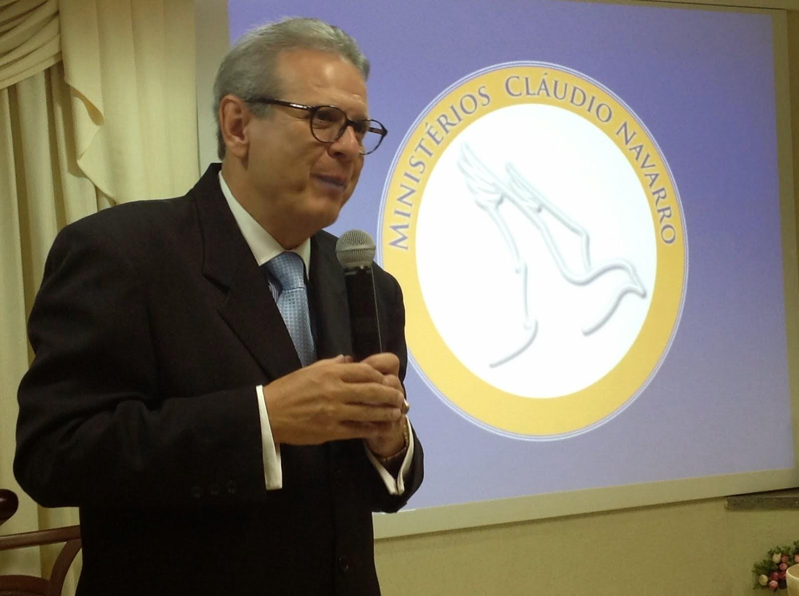 PASTOR CLÁUDIO NAVARRO