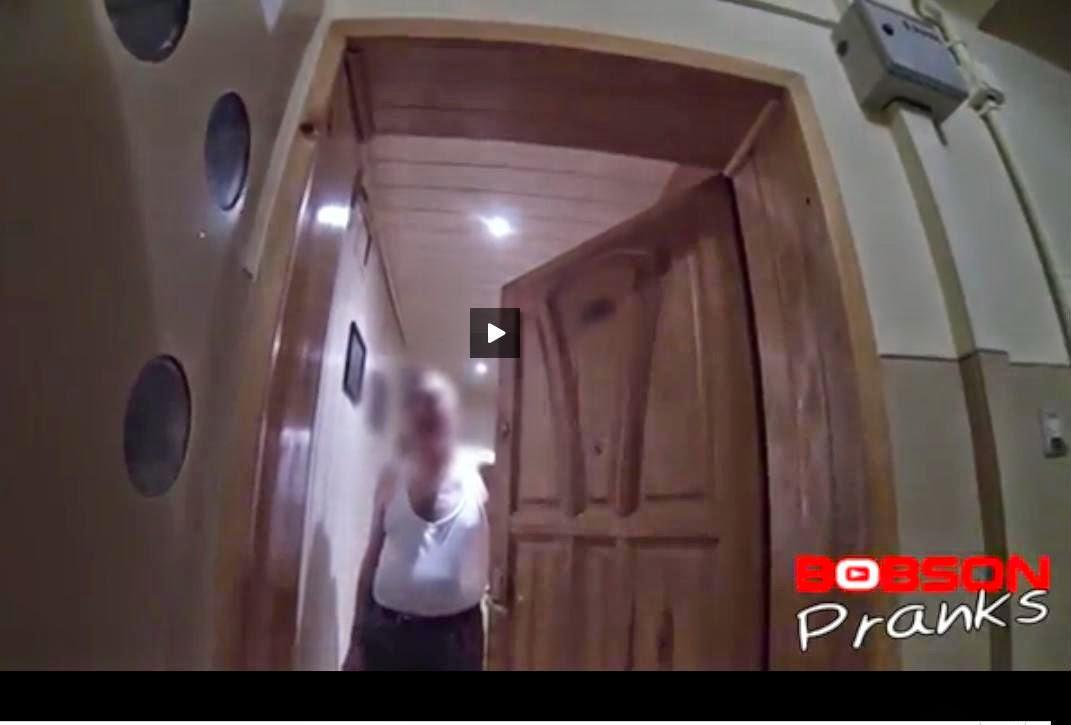 http://www.cda.pl/video/16506098/Niespodziewany-gosc-na-wigilii
