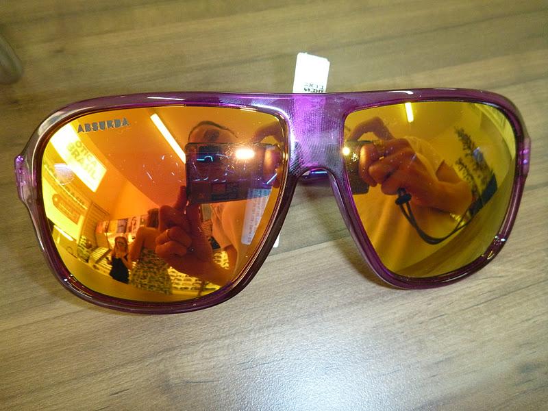 d9124f3907362 E para fechar foto das blogueiras de Cascavel com o modelo de óculos  calixto da ABSURDA, super tendência no mundo da blogosfera!!