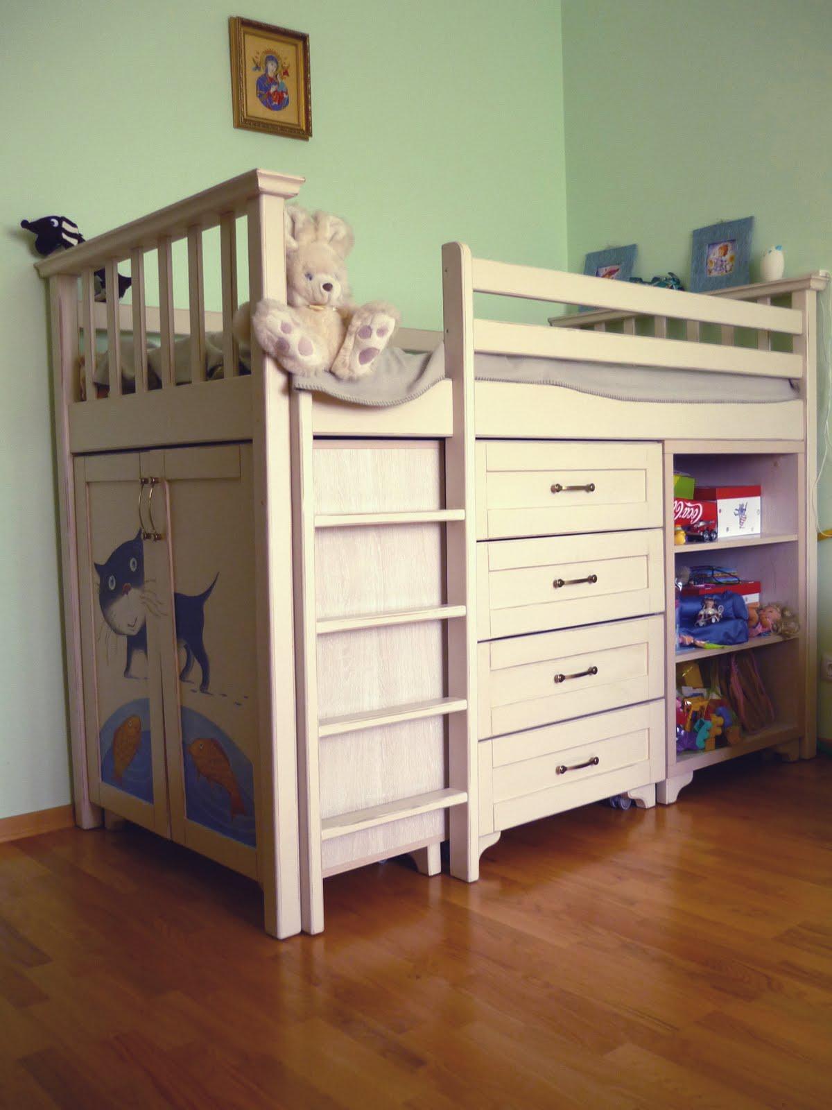 Дитячі кімнати ліжка креденс меблі