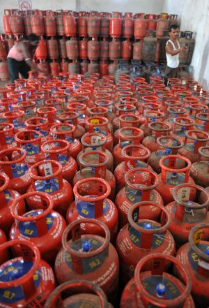 EGoM To Decide On Limiting Supply Of Subsidized LPG On Sept 16