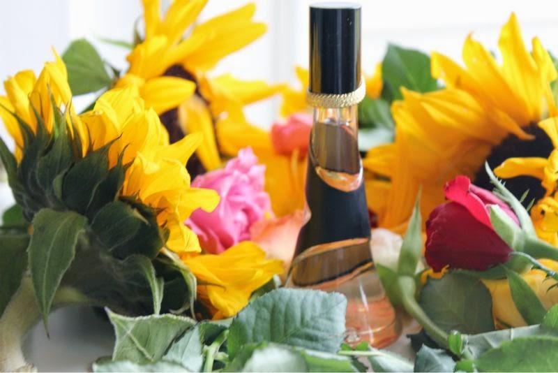 Rihanna Reb'l Fleur Eau de Parfum
