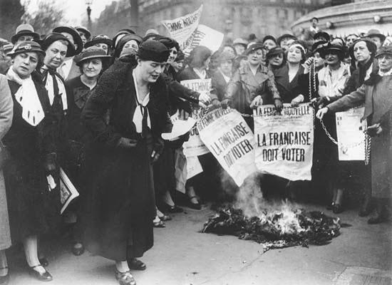 Gerakan Feminisme; Sejarah, Perkembangan serta Corak Pemikirannya