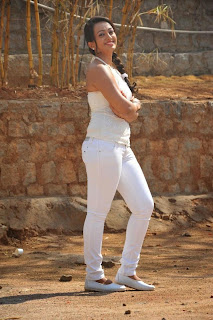 Actress Ester Noronha Picture Gallery in White Tight Jeans  0028