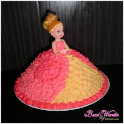 Cara Mudah Deco Kek Puteri. Cara Deco Princess Cake Simple. Deco Kek Princess Cake Dengan Butter Cream. Cara Deco Kek Puteri / Anak Patung / Doll Yang Simple.