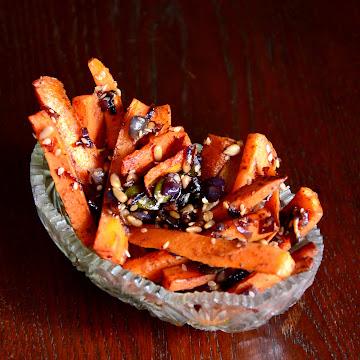Frytki z marchewki z pestkami dyni - Czytaj więcej »