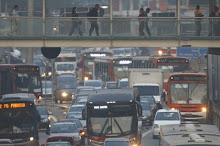 Privilégio a automóveis vai levar SP a 'situação suicida', alerta especialista