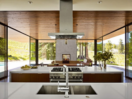 Marra Road Weekend House in California