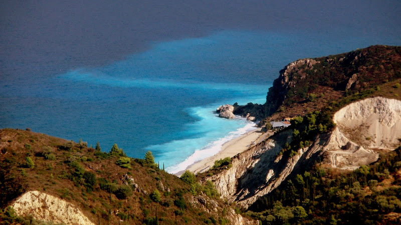 Blick von Kalamitsi auf den Strand Kathisma