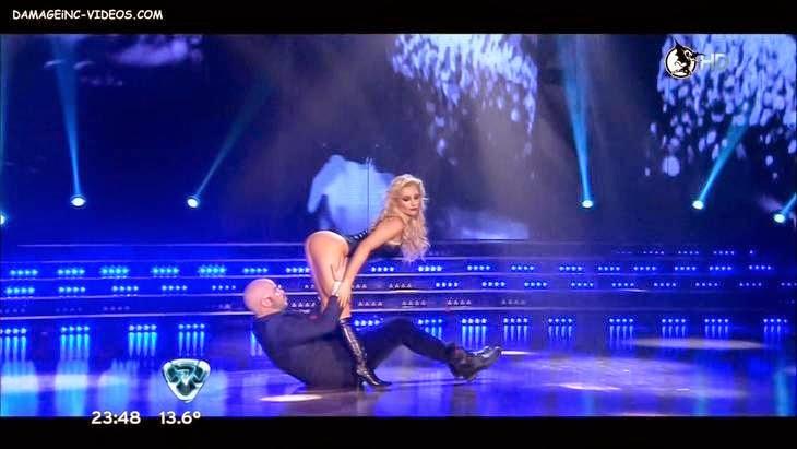 Sofia Macaggi showing her butt in HD video