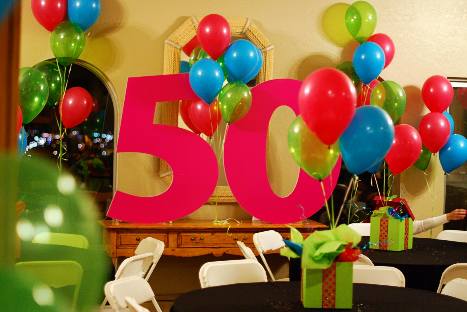 Ideas to celebrate mom 39 s birthday home decoration club for 50 birthday party decoration