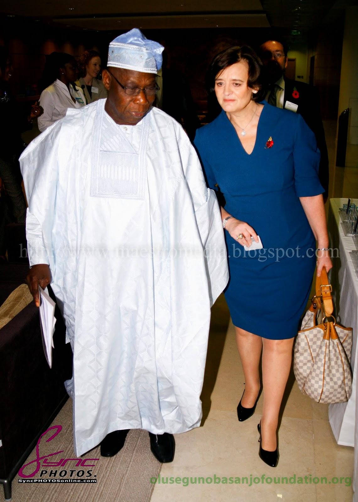 MG_3848+Olusegun_Obasanjo_White++Case_Breakfast_Seminar_6Nov2013_.jpg