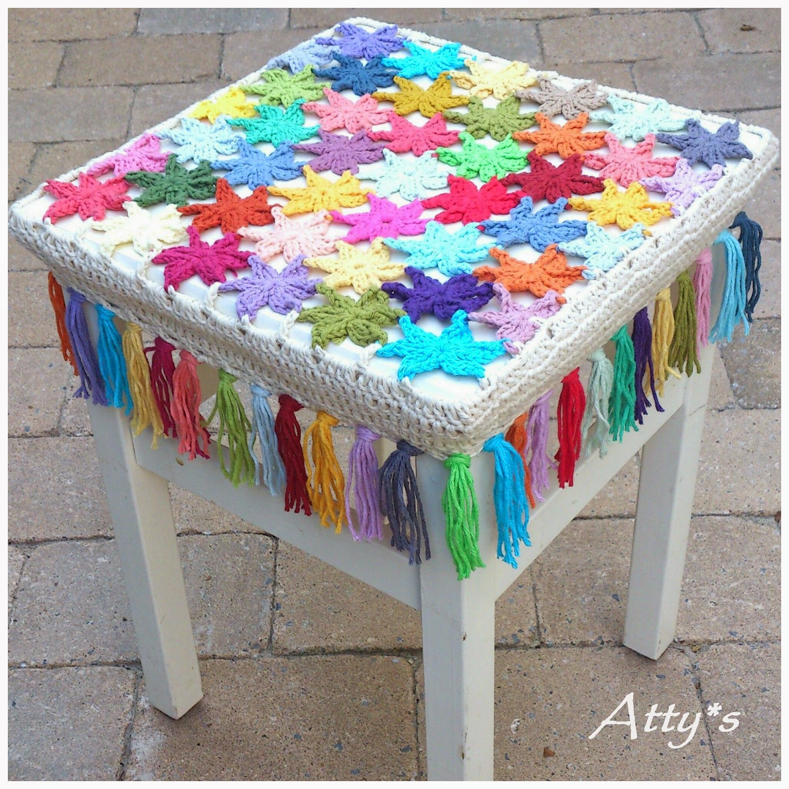 I used this flower pattern I made on that grey and rainy day to make another stool cover.  sc 1 st  Atty - blogger & attyu0027s: Crochet Flower Stool Cover islam-shia.org