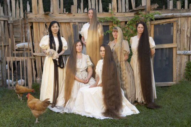 Ladies+with+longest+hairs