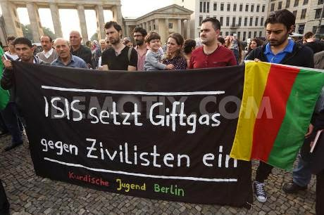 They think IS has used chemical wepons: Kurds protesting in Berlin over alleged use of  'poison gas' against civilians in Kobane. Demotix / Thorsten Strasas. All rights reserved.