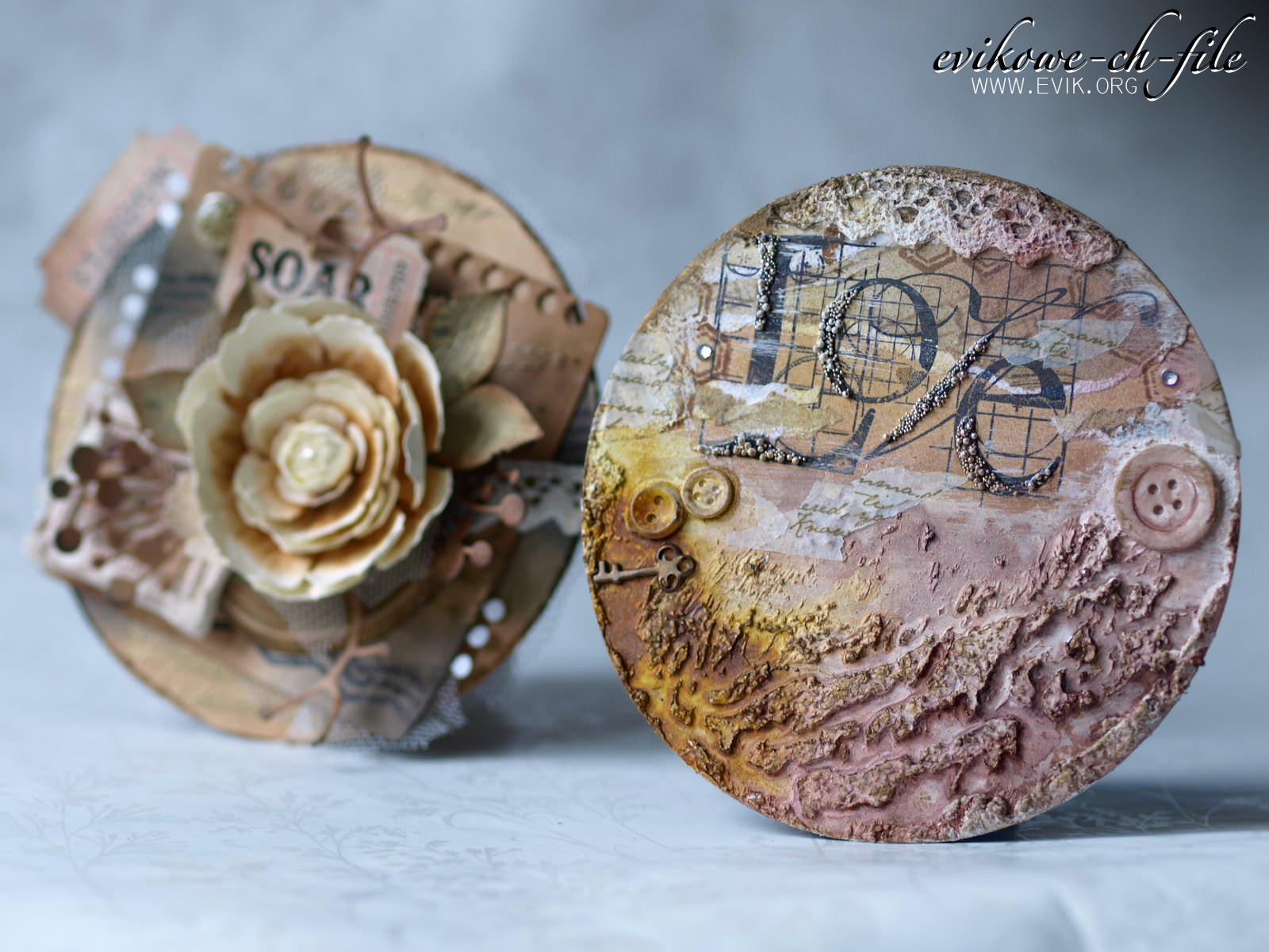 Die-namics Mini Album Torn Notebook STAX, Memory Box - Chloe stem, Tim Holtz ticket, , Tim Holtz Sizzix Die TATTERED FLORALS Bigz Flower, Evik, Evikowe-ch-file card, gold embossing