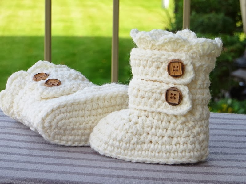 Crochet Patterns Toddlers : Toddler Classic Snow Boots, Toddler Boots Crochet Pattern, Pattern in ...