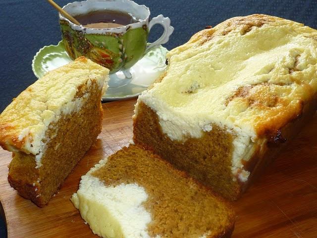 Bizcocho especiado de calabaza con crema de queso
