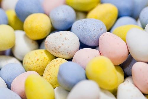 http://ebrogue.wordpress.com/2013/04/09/cadbury-mini-egg-dip/