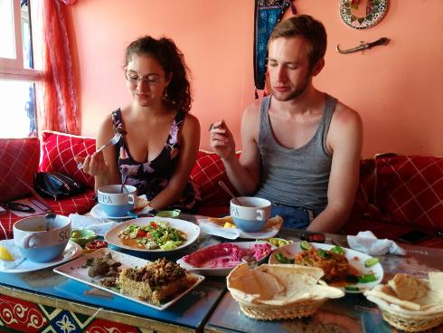 Almuerzo en Puerta Syria, restaurante en la calle Elvira de Granada