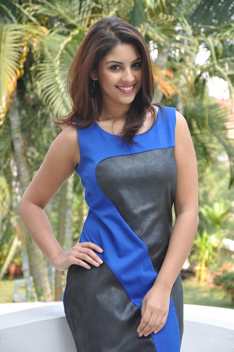 Actress Richa Gangopadhyay Latest Beautiful Photos