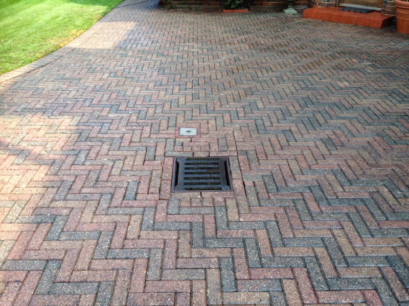 Driveway cleaning and sealing in Cambridge