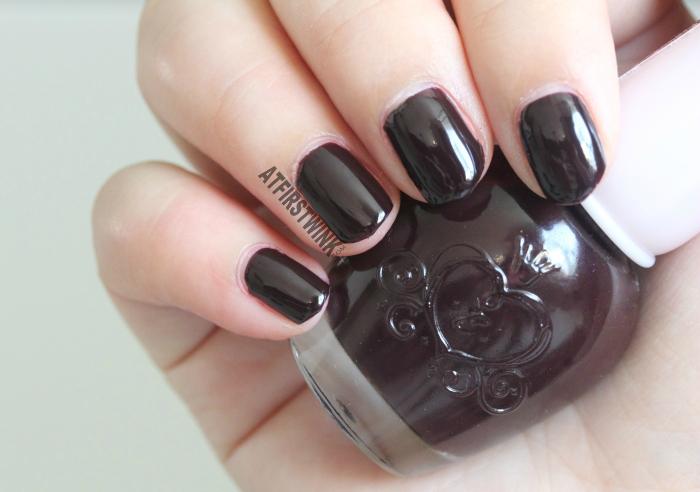 Etude House nail polish DRD302 - Fire Vampire (glossy, deep burgundy nail polish)