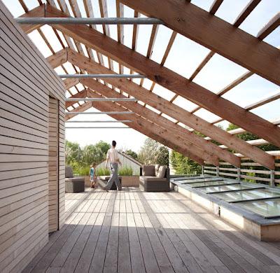 Casa pré fabricada e sustentávem em madeira