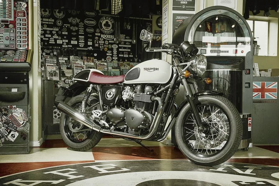 Triumph Thruxton Ace Special Edition (2014) Front Side