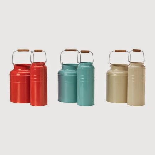 Lecheras metálicas para floreros de Ikea
