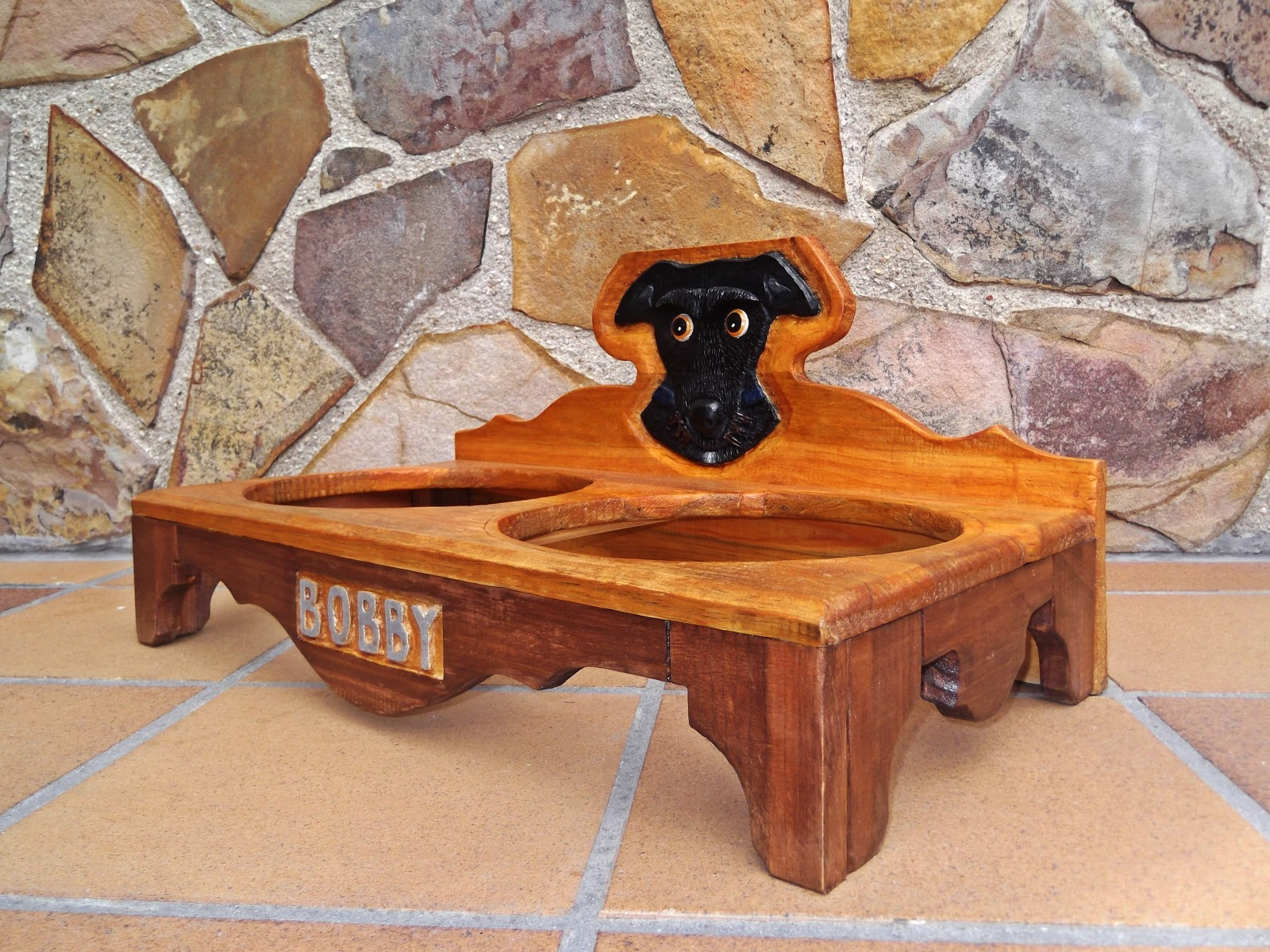El artesano en madera comedero para perros for Comederos para perros