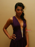 Mugdha Godse deep cleavage sexy photos