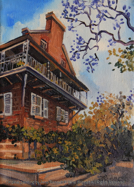 plein air oil painting of colonial heritage architecture, the 'Doctor's House' in Thompson's Square, Windsor, painted by artist Jane Bennett