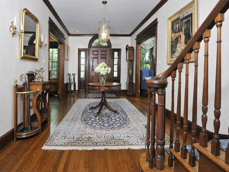Victorian Style Foyer : Victorian gothic interior style
