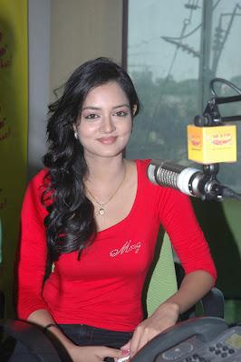 shanvi at 98.3 fm station actress pics