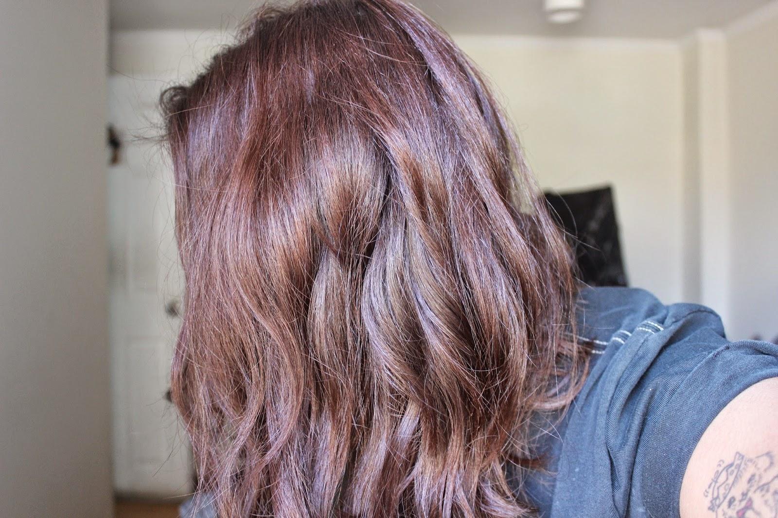 Los medios para osvetleniya el cabello de la casa