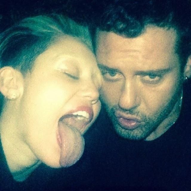 Miley Cyrus se rapo las cejas