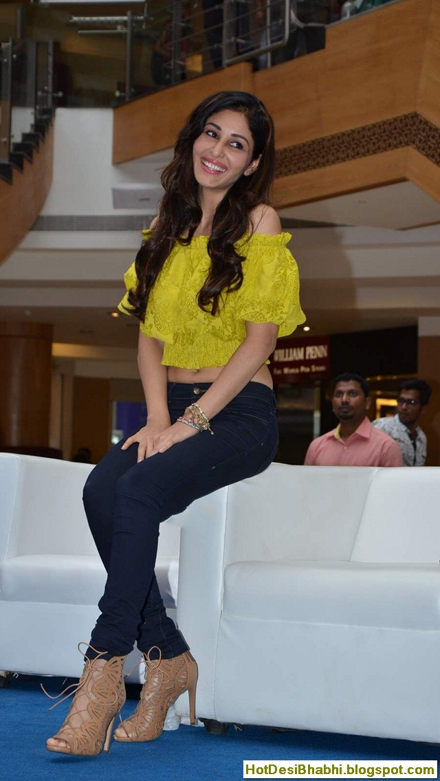 Pooja Chopra Latest Hot Photos