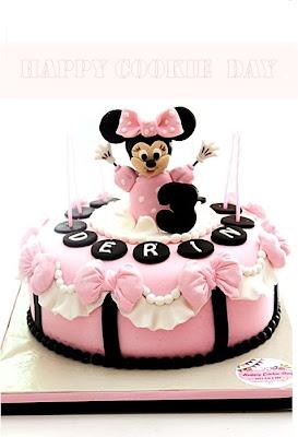 Minnie Mouse Doğum Günü Pastası ve Cupcake