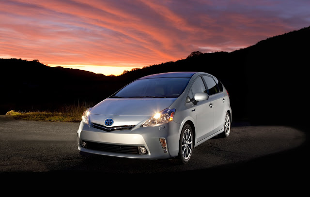 Front 3/4 view of the 2013 Toyota Prius V