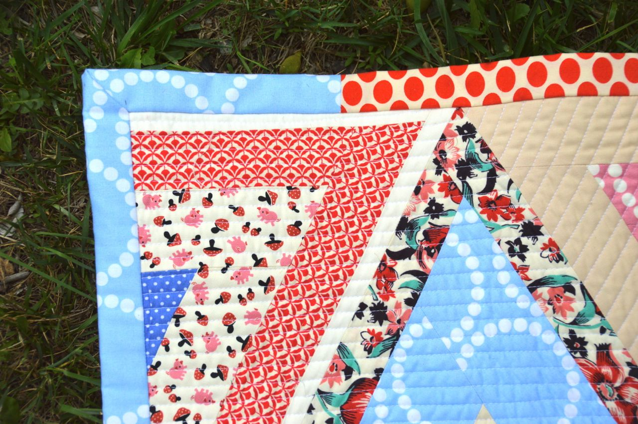 Lady Harvatine: Log Pyramid Quilt Along: Binding : applying quilt binding - Adamdwight.com