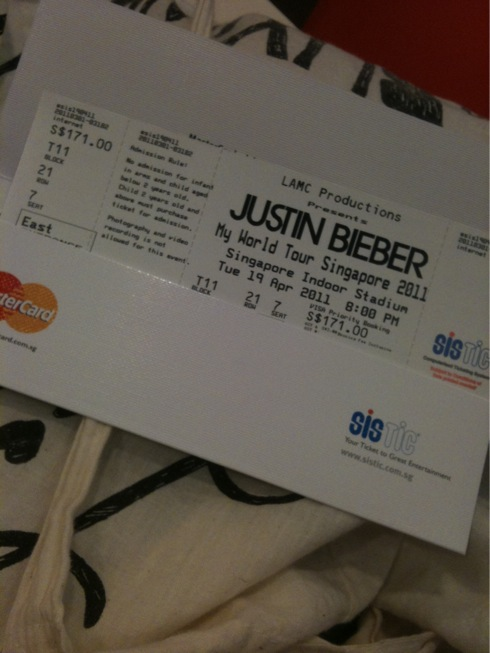 Made my day .: Justin Bieber 2011 Sg my world tour!