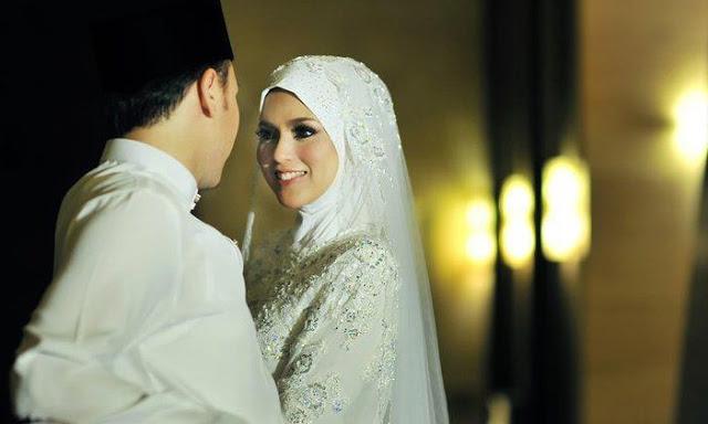 Buat Para Suami, Mengapa Membahagiakan Istri dapat Memperlancar Rezeki??