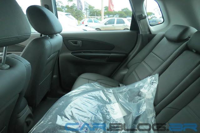 Tucson Hyundai Flex Automática 2013 - espaço traseiro